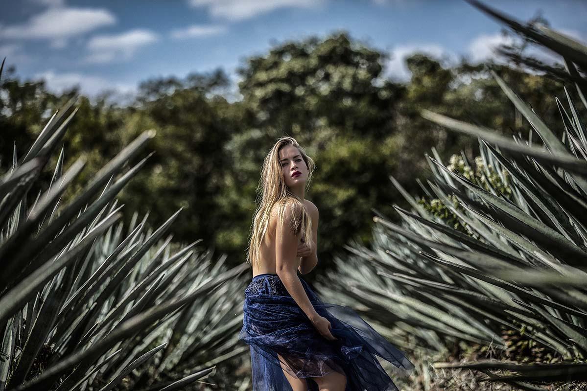 HOMERO ALEMAN - FASHION AND EDITORIAL PORTRAITS - PERSONAL BRANDING - MODEL AND ARTIST BOOK - FOTOGRAFO MODELOS MEXICO-PROFESIONAL PORTRAITS
