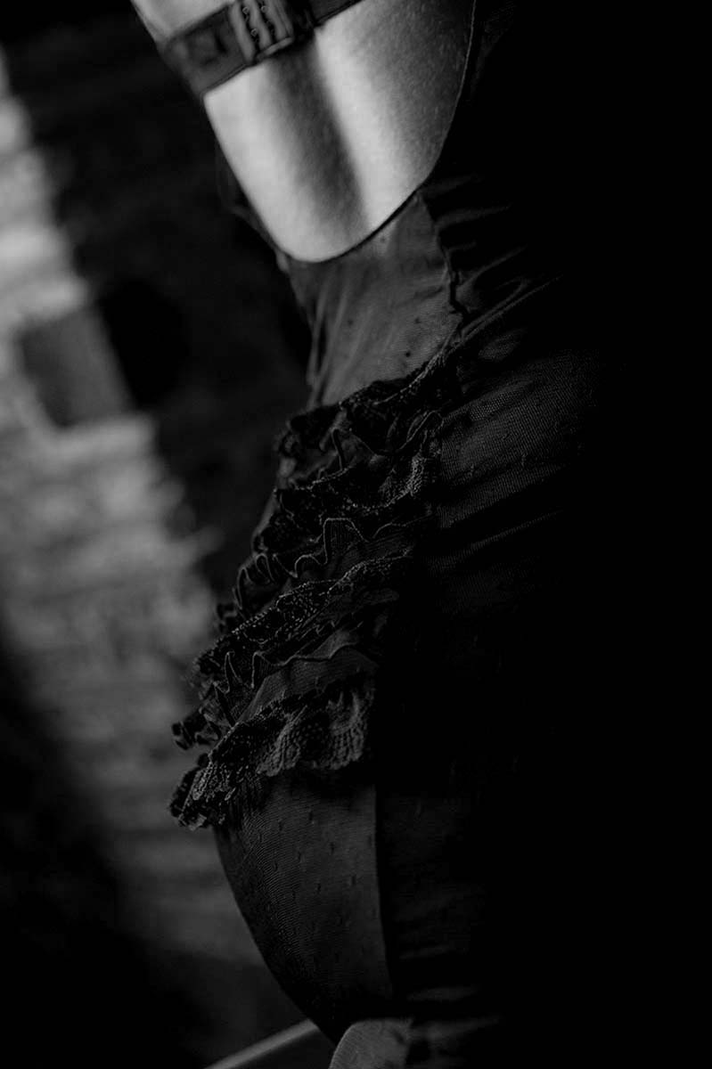 BOUDOIR & NUDE PHOTOGRAPHY BY HOMERO ALEMAN - FINE ART PORTRAITS