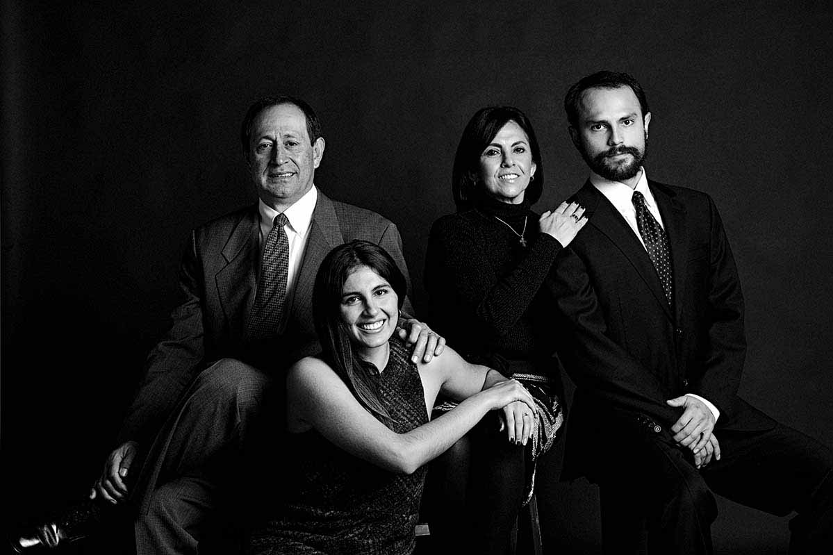 FINE ART FAMILY PORTRAIT BY HOMERO ALEMAN PHOTOGRAPHY