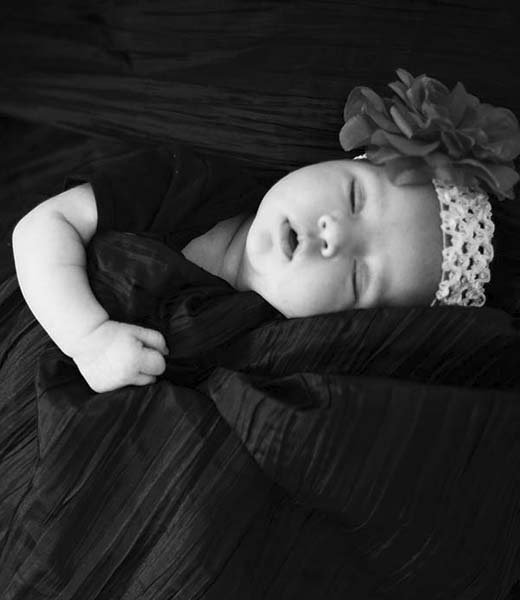 SLEEPING BABY FINE ART PORTRAIT BY HOMERO ALEMAN PHOTOGRAPHY